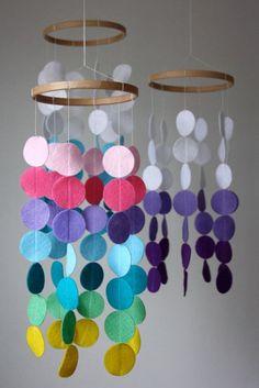 Felt Crafts: 115 incredible photos and steps - New decoration styles - Basteln im Herbst / DIY Herbst - unique crafts Baby Crib Mobile, Baby Cribs, Baby Mobiles, Crafts For Kids, Arts And Crafts, Diy Crafts, Creative Crafts, Yarn Crafts, Diy Bebe