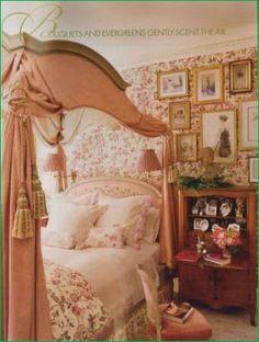 Hydrangea Hill Cottage: A Charlotte Moss Christmas! Hydrangea Hill Cottage: A Charlotte Moss Christmas! Cozy Bedroom, Bedroom Decor, Floral Bedroom, Master Bedroom, Budget Bedroom, Bedroom Ideas, Bedroom 2018, Bedroom Neutral, Light Bedroom