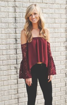 lizard thicket // cold shoulder lace top