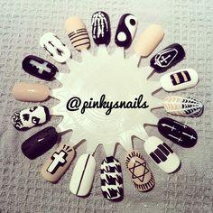 Nail wheel by @Esther Aduriz Nieuwenhuis! black, white and nude nail art design