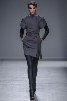 Gareth Pugh Spring 2014 Ready-to-Wear Collection Photos - Vogue