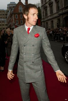 Bradley Wiggins at the GQ Men of the Year Awards. A Latter-day mod. Mod Hair, Men's Hair, Mod Suits, Gq Awards, Bradley Wiggins, Fred Perry Polo Shirts, Tailor Made Suits, Fishtail Parka, Harrington Jacket