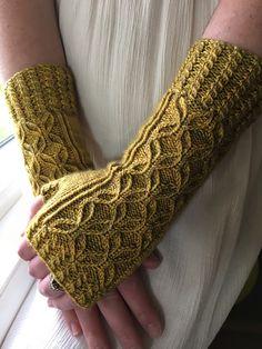 Free knitting pattern - jwishart's Vintage mitts