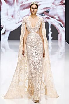 Michael Cinco is the first Filipino to unveil a haute couture collection in Paris Fashion Week Check out his stunning collection of dresses here! Couture Mode, Couture Fashion, Paris Fashion, Beautiful Gowns, Beautiful Outfits, Michael Cinco Couture, Michael Cinco Gowns, Bridal Gowns, Wedding Dresses