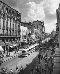 "Bucharest photos from the first decades of the century - mostly from the interwar period (between the two World Wars). ♦ The end of ""Little Paris"" (click photo) ♦ Old Pictures, Old Photos, Romania Facts, Romania Travel, Little Paris, Bucharest Romania, Vacation Places, Old City, Beautiful Buildings"