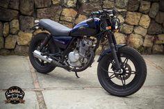 Moto Suzuki Gn 125 modificada, corte cafe racer