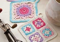 [Free Pattern] I Have Fallen In Love With This Crochet Pot Holders Set