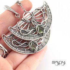 Amazing wire jewellery