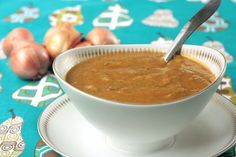 We are definitely keeping this vegan gravy recipe—with shallots and cremini mushrooms—on file!