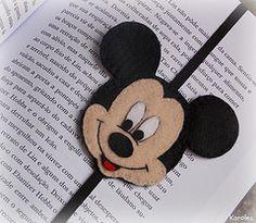 Mickey :) (Karollynne) Tags: mickey feltro marcapginas mickeydefeltro                                                                                                                                                      Mais