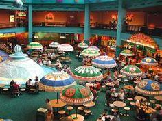 Walt Disney World - EPCOT - Sunshine Seasons, The Land Food Court 70's/80's