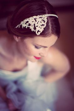 Vintage style hair accessory for the modern Bride by @SilverSixpence1, Photos by @KatyLunsford