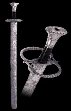 """A South German Landsknecht katzbalger, first half of the 16th century  Overall length: 68.7 cm (27""""); Blade length: 56.3 cm (22.2"""")  Located at Reichsstadtmuseum Rothenburg, Germany"""