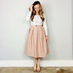 Wedgwood Skirt Pattern, the perfect addition to my handmade wardrobe. Katies Fashion, Dress Skirt, Midi Skirt, Skirt Patterns Sewing, Straight Stitch, Cute Skirts, Diy Clothing, Light Jacket, Handmade Clothes
