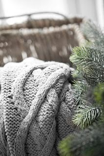 Our Winter Cabin: Cozy knitted throw Winter Day, Winter Christmas, Christmas Time, Winter Cabin, Natural Christmas, Nordic Christmas, Cozy Winter, Rustic Christmas, Merry Christmas