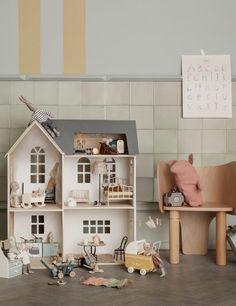 The best dollhouses! - Paul & Paula