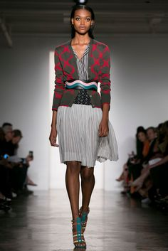 Work outfit: If you work in a creative environment, this Sophie Theallet Spring look is an option. (Photo: Nowfashion)