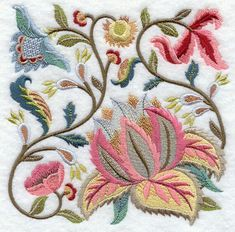 Bordado Jacobean, Crewel Embroidery Kits, Learn Embroidery, Machine Embroidery Patterns, Embroidery Needles, Vintage Embroidery, Ribbon Embroidery, Brother Embroidery, Embroidery Supplies