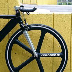 Sho ShimizuさんはInstagramを利用しています:「Yeah!! Finally, I got this!! #aerospokeusa #carbon #batonwheel #niceandcool #めっちゃ速いし乗りやすい」