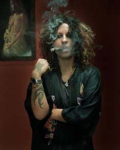 i'm on a major linda perry binge right now. Women Smoking Cigars, Smoking Ladies, Cigar Smoking, Bikini Kill, Non Blondes, Cigar Girl, Celebrity Photographers, Good Cigars, Riot Grrrl