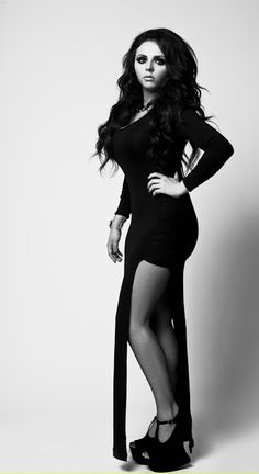 How can u call this girl fat. She may not be a skinny as- bi--h.