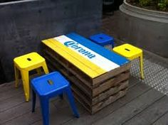 Out door sitting - shipping pallet pop up cafe                                                                                                                                                      More Pop Up Cafe, Shipping Pallets, Diy Bar, Outdoor Furniture, Outdoor Decor, Wood Pallets, Crates, Repurposed, Home Decor