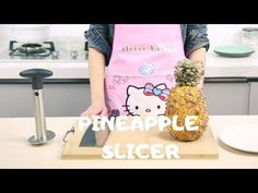 How To Easily Slice Pineapple? Kitchen Sale, Kitchen Tops, Pineapple Slicer, Pineapple Kitchen, Kitchen Upgrades, New Product, Place Card Holders, Make It Yourself, Eat