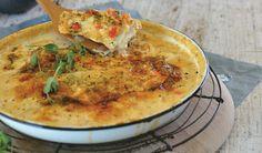 Jy hoef nie eers te wonder wat om te maak vir aandete nie, hier is 'n lekker resep vir gebakte vis in room Meat Recipes, Seafood Recipes, Cooking Recipes, Cooking Fish, Yummy Recipes, Recipies, Fish Dishes, Seafood Dishes, South African Recipes