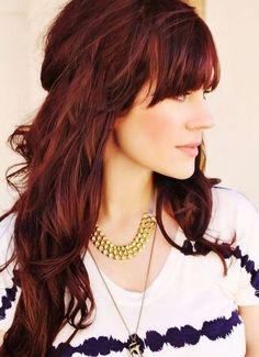Mahagoni Haare mit starkem Rot-Schimmer