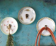 Wondering how to use those pretty thrift store plates? Add wall hooks to pretty plates to add vintage style to any room. Old Plates, Vintage Plates, Vintage China, Vintage Hooks, China Plates, Vintage Pyrex, Small Plates, Vintage Table, Vintage Ceramic