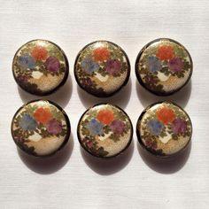 Antique floral Satsuma button set Brutalist Design, Meiji Era, Hand Painted Ceramics, Contemporary Jewellery, Vintage Buttons, Ceramic Painting, Color Patterns, Decorative Plates, Floral