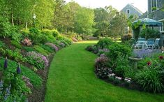jardin en pendientes cesped
