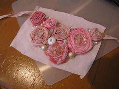 The Scientific Seamstress: Frayed rosette bib necklace tutorial