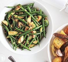 Stir-fried sprouts with green beans, lemon & pine nuts Bbc Good Food Recipes, Vegetarian Recipes Easy, Heart Healthy Recipes, Veggie Recipes, Cooking Recipes, Veggie Meals, Vegetarian Food, Stir Fry Green Beans, Healthy Green Beans