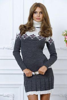 Теплое молодежное платье на зимний сезон серое с узорами ремнем короткое 2015 фото