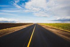 도로, 아스팔트, 하늘, 지평선, 방향, 목적지, 고속도로