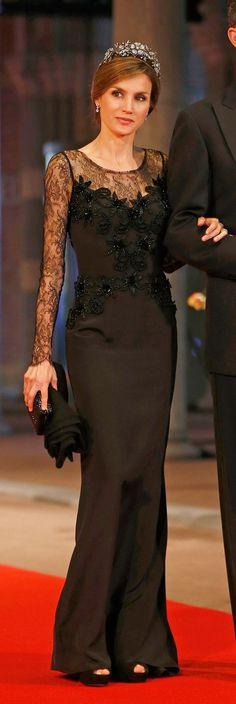 Queen Letizia in Felipe Varela. Letizia of Spain attends a dinner hosted by Beatrix of The Netherlans ahead of her abdication. Cena previa a la investidura de los reyes de Holanda.