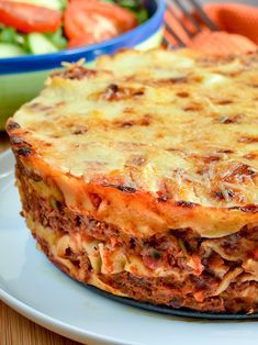 Ultimate Low Syn Lasagne Pie - a firm family favourite that can be cooked in the Instant Pot or an oven. Slimming World Lasagne, Slimming World Beef Recipes, Slimming World Dinners, Slimming Eats, Weight Watchers Chicken Salad Recipe, Chicken Salad Recipes, Mince Recipes, Cooking Recipes, Healthy Recipes