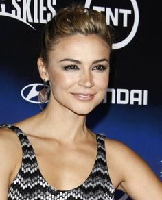 Samaire Armstrong rocks pink hair
