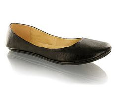 Barratts Fashionable Unstructured Ballerina Round toe ballerina shoeLeather look upper with flat heelAdd a hint of colour!Product Name : Carey http://www.comparestoreprices.co.uk/womens-shoes/barratts-fashionable-unstructured-ballerina.asp