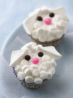 Oh, for cute! These adorable lamb cupcakes are the perfect dessert to serve this Easter, and they are surprisingly easy to make. Using Betty's cake mix (any variety!), frosting and candies make prep and decorating simple enough for novice bakers and little helpers!