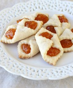 These Traditional Hungarian Cookies are a cross between a cookie and a pastry. Hungarian Christmas cookies are too good to share immediately! These Christmas cookies will look fantastic on your Christmas cookie tray. Cookie Recipes, Dessert Recipes, Dessert Bread, Drink Recipes, Bread Recipes, Biscuits, Hungarian Recipes, Croatian Recipes, Cookie Exchange