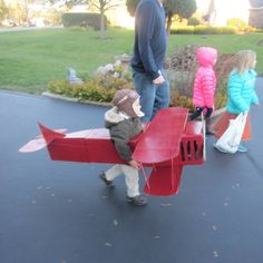 Madden Airplane! DIY cardboard airplane. Creative boy costume.