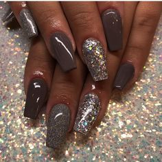 Nageldesign Herfst nagels Don't Wait for a Mate, Feather Your Nest Now! Fancy Nails, Love Nails, Pretty Nails, My Nails, Sparkly Nails, Nail Design Spring, Fall Nail Designs, Dipped Nails, Garra