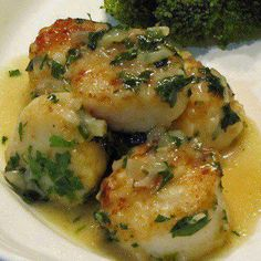Scampi Scallops: Garlic, White Wine, Parsley & Scallops. Perfect one bite appetizer; just arrange on a pretty platter w cocktail picks. (Can sub shrimp if scallops aren't available)