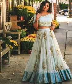 Party Wear Indian Dresses, Indian Gowns Dresses, Indian Bridal Outfits, Indian Fashion Dresses, Dress Indian Style, Indian Designer Outfits, Party Dresses, Dresses To Wear To A Wedding, Choli Designs