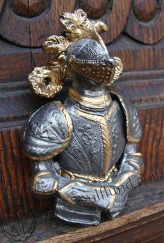 KNIGHT door knocker