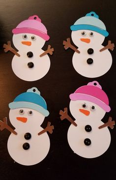 Items similar to Snowman Tag Holiday Shape Gift Tags Set of 16 on Etsy - Basteln Christmas Crafts For Kids To Make, Diy Christmas Tree, Xmas Crafts, Kids Christmas, Christmas Decorations, Paper Crafts, Christmas Ornaments, Theme Noel, Snowman Crafts