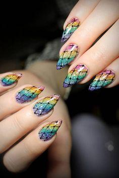 24 Amazing Rainbow Nails to Make You Smile