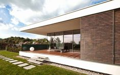 Casa SK reformada al estilo contemporáneo, Austria http://www.arquitexs.com/2015/03/casa-sk-two-in-box-austria.html